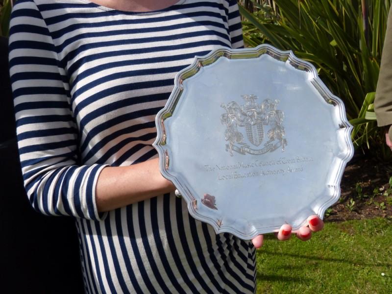 plate-close-upsmall